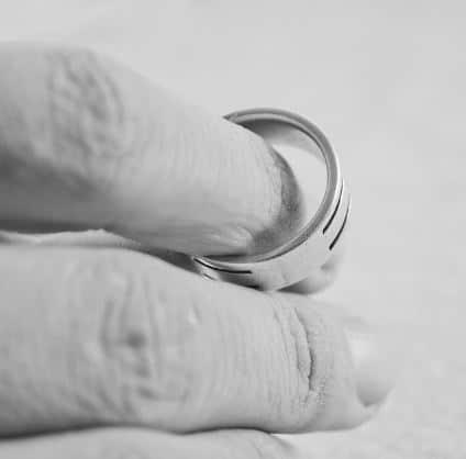 """עו""""ד גירושין רן רייכמן על עילות הגירושין הנפוצות"""